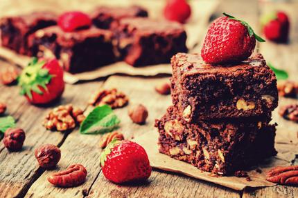 کیک با خشکبار / Cake With Nuts
