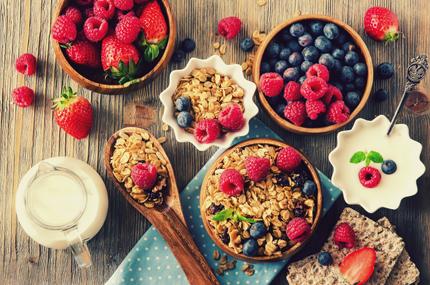 دانههای جو با توتها / Oat Flakes With Berries