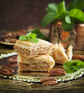 باقلوا با عسل و خشکبار / Baklava With Honey And Nuts